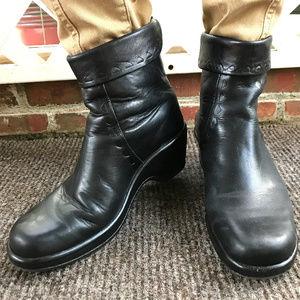 SALE❣️ DANSKO Black Leather Booties 41/US 10